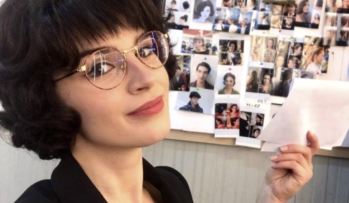 Il Paradiso delle Signore 4 Enza Sampò interpretata da Elisa Muriale, qui in una foto pubblicata dalla attrice sul suo profilo Instagram il 15 marzo 2020