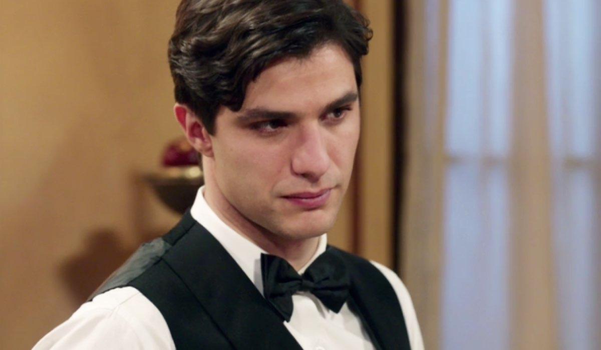 Il Paradiso delle Signore 4 Marcello Barbieri interpretato da Pietro Masotti, qui nella puntata 67 in Caffetteria Credits RAI