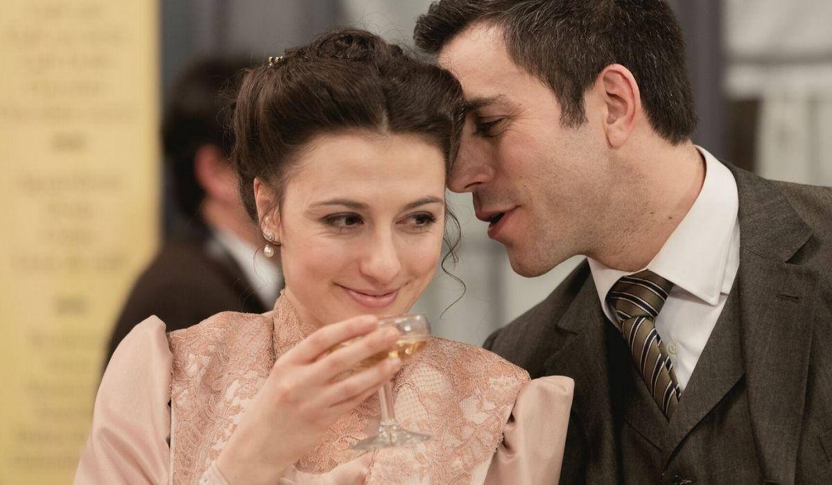 Lucia e Telmo in Una Vita, soap opera Credis Mediaset