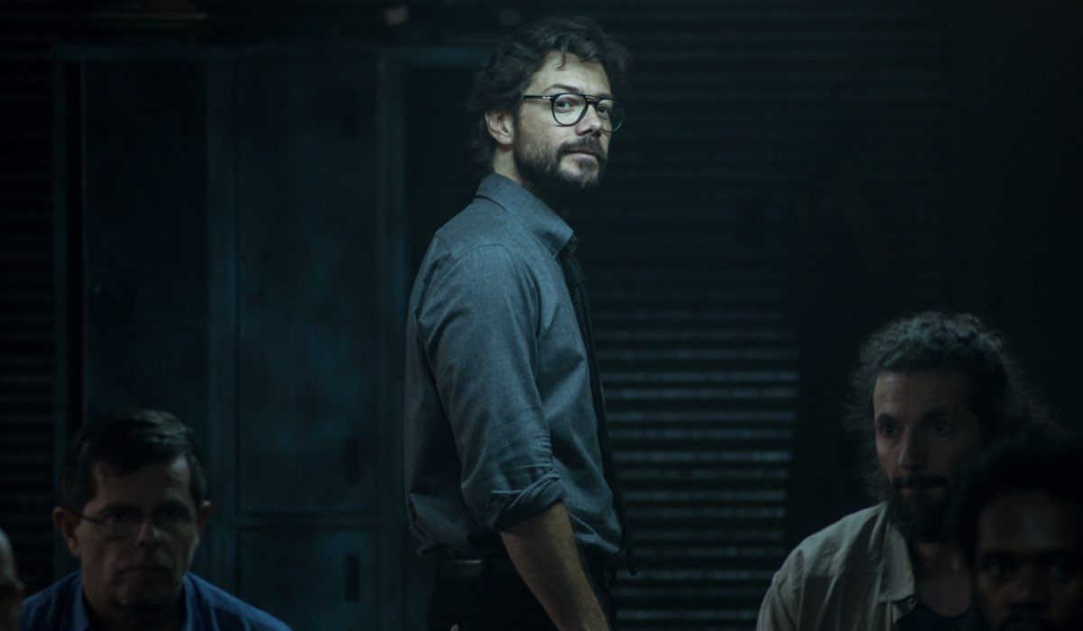 Álvaro Morte nei panni del Professore ne La casa di carta 4. Credits Netflix