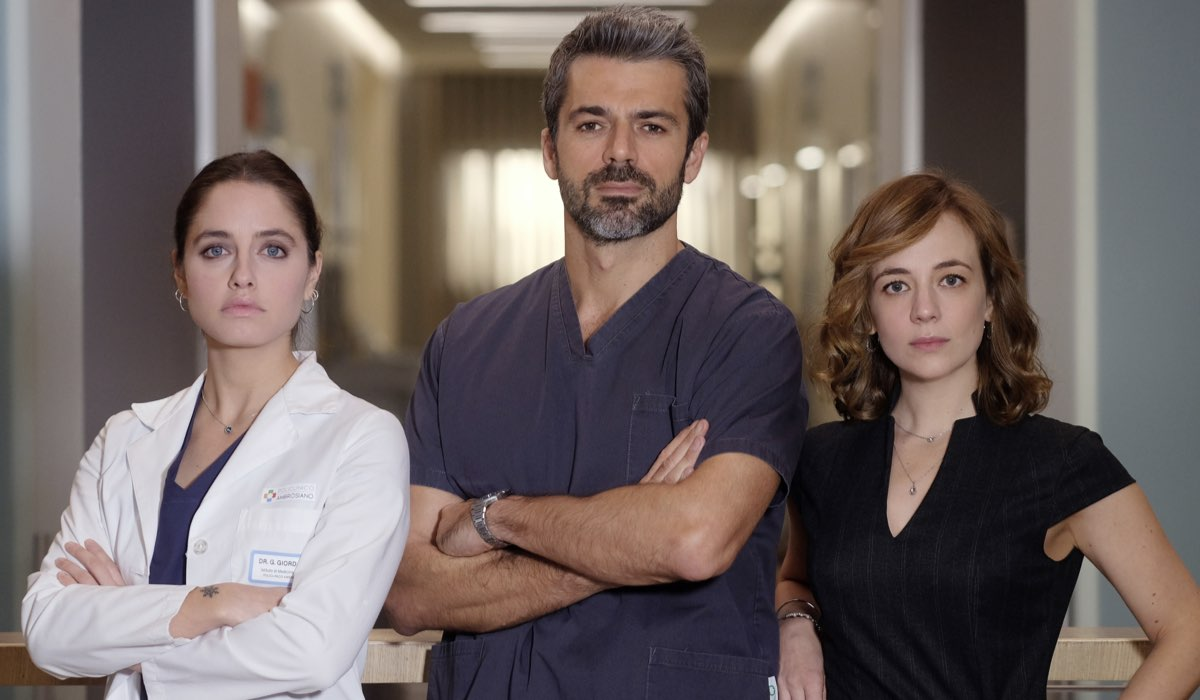 Doc - Nelle tue mani Giulia, Andrea e Agnese interpretati da Matilde Giuli, Luca Argentero e Sara Lazzaro Credits RAI