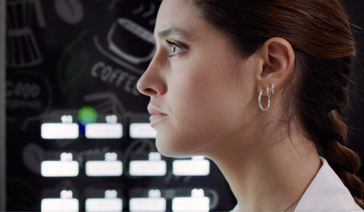 Doc - Nelle tue mani Giulia interpretata da Matilde Gioli, qui nell'episodio 7 intitolato Like Credits RAI