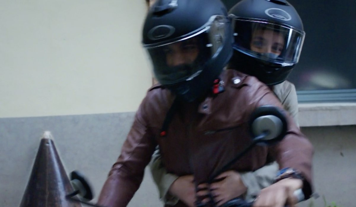 Doc - Nelle tue mani Lorenzo e Giulia interpretati da Gianmarco Saurino e Matilde Gioli, qui nell'episodio 8 intitolato Il giuramento di Ippocrate Credits RAI