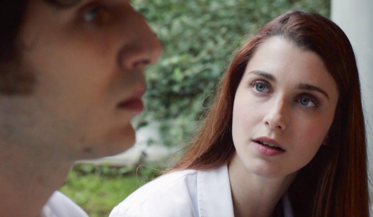 Doc - Nelle tue mani Riccardo interpretato da Pierpaolo Spollon e Alba interpretata da Silvia Mazzieri nel settimo episodio intitolato Like Credits RAI