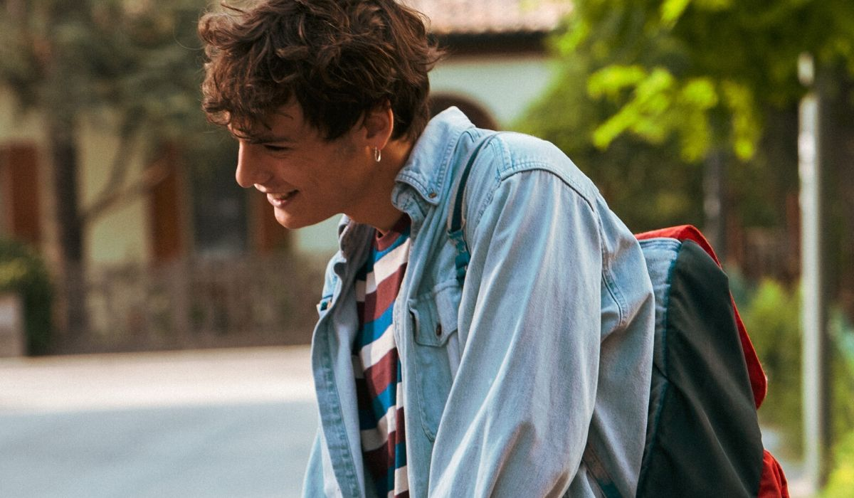 Giovanni Maini è Edo in Summertime Credits Netflix