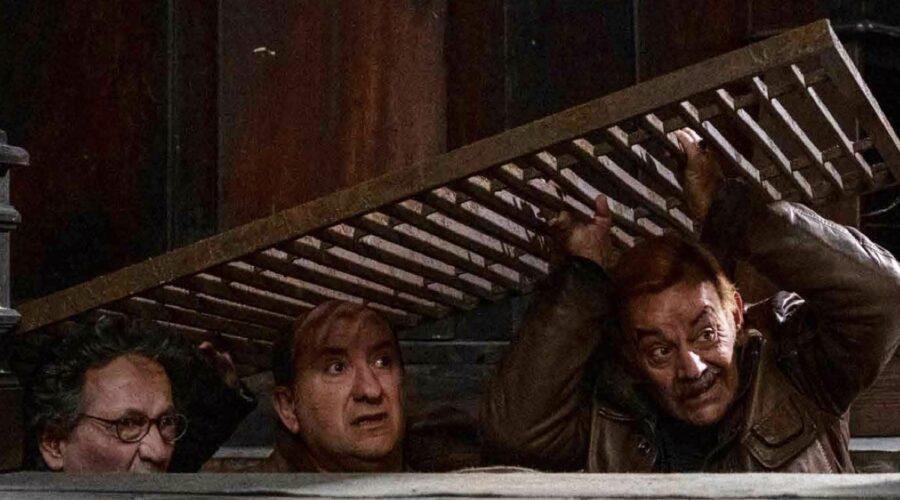 I Topi 2 stagione ideata, diretta e interpretata da Antonio Albanese qui con gli altri due membri del trio Credits RAI