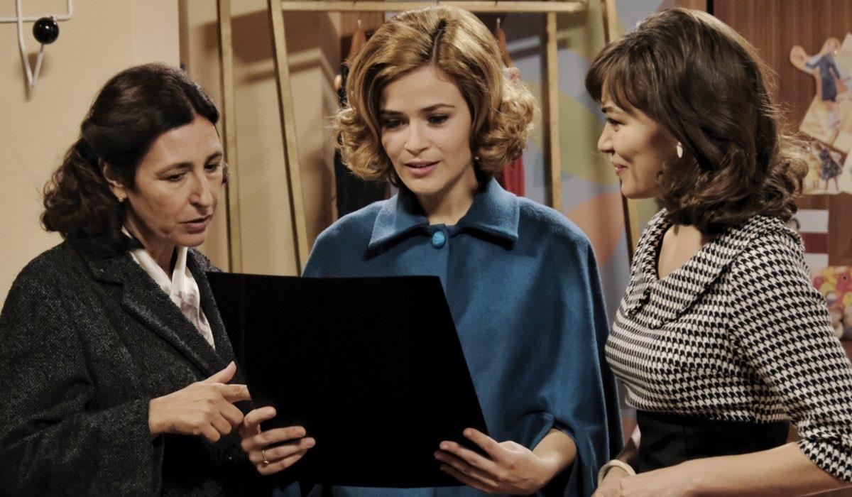 Il Paradiso delle Signore 4 Agnese, Gabriella e Marta interpretate da Antonella Attili, Ilaria Rossi e Gloria Radulescu Credits RAI