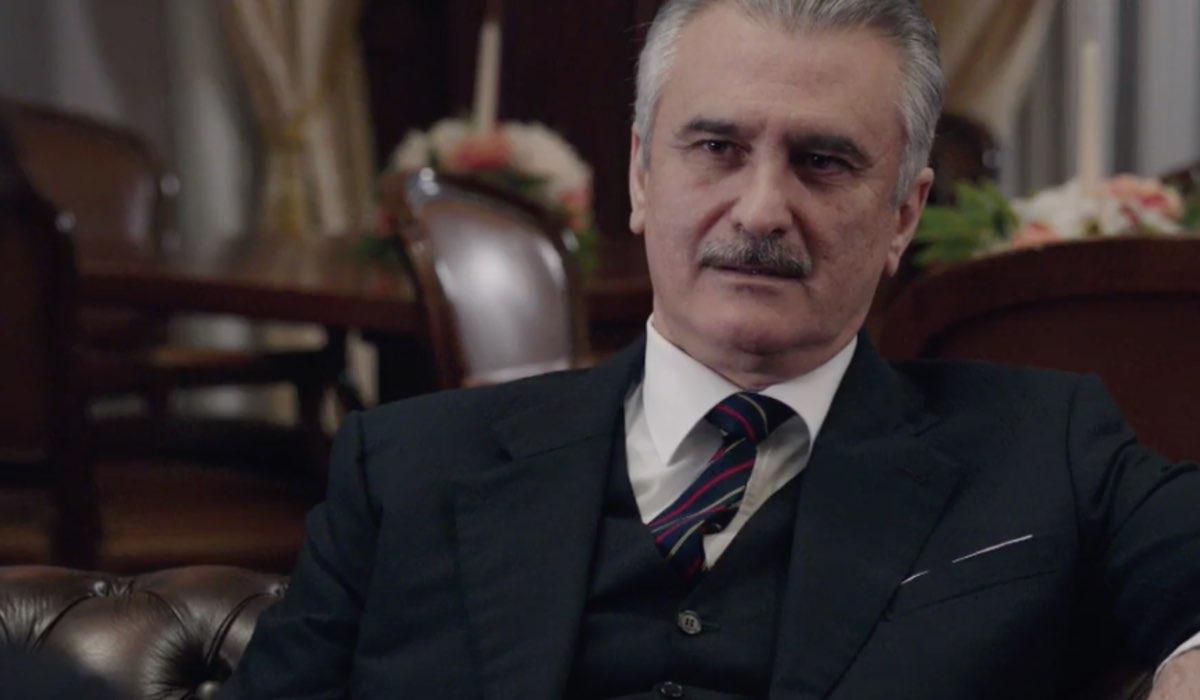 Il Paradiso delle Signore 4 l avvocato Lomonaco contattato da Riccardo nella puntata 135 Credits RAI