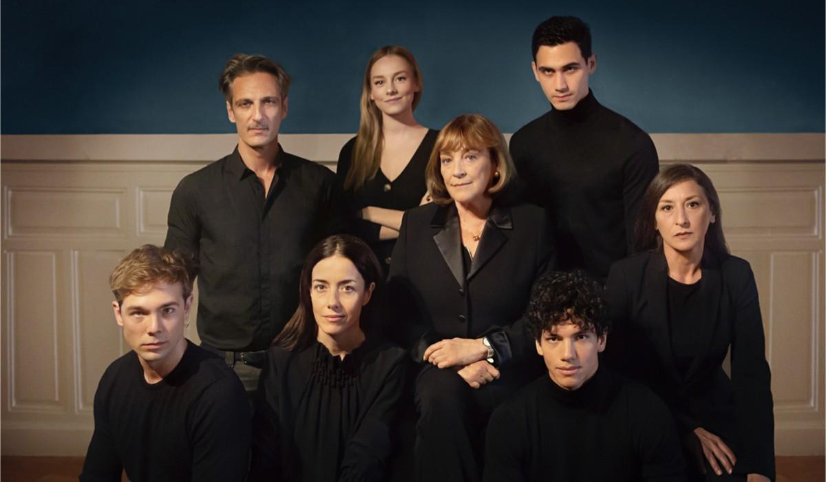 Il cast di Alguien tiene que morir. Credits Netflix