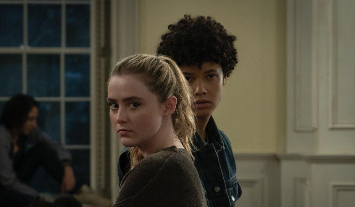 Kathryn Newton e Jacques Colimon in una scena di The Society. Credits: Seacia Pavao/Netflix