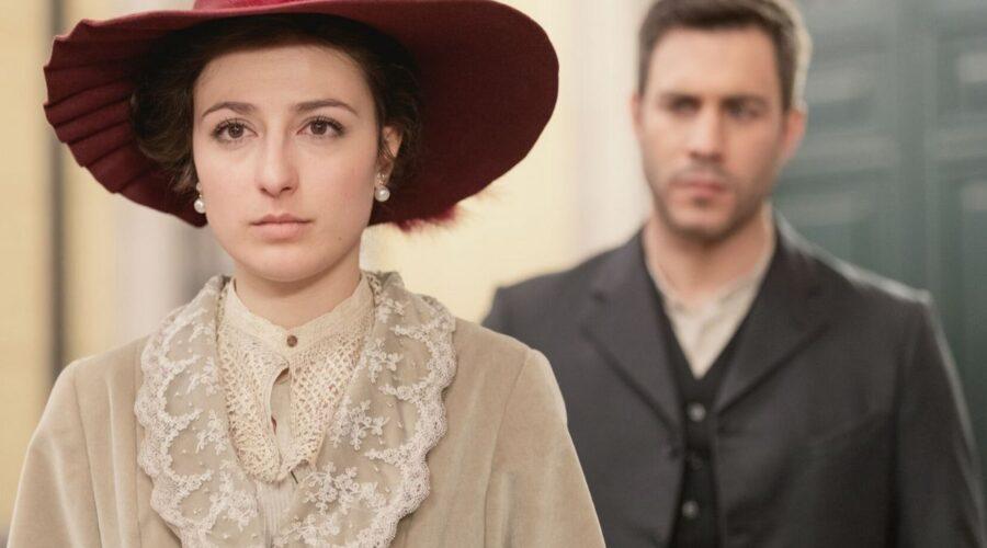 Lucia e Telmo in Una vita soap opera spagnola Credits Mediaset