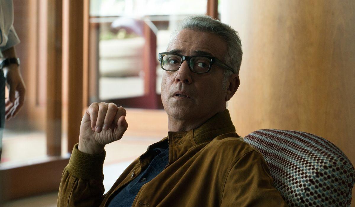 Massimo Ghini è Toni in Vivi e lascia vivere Credits RAI