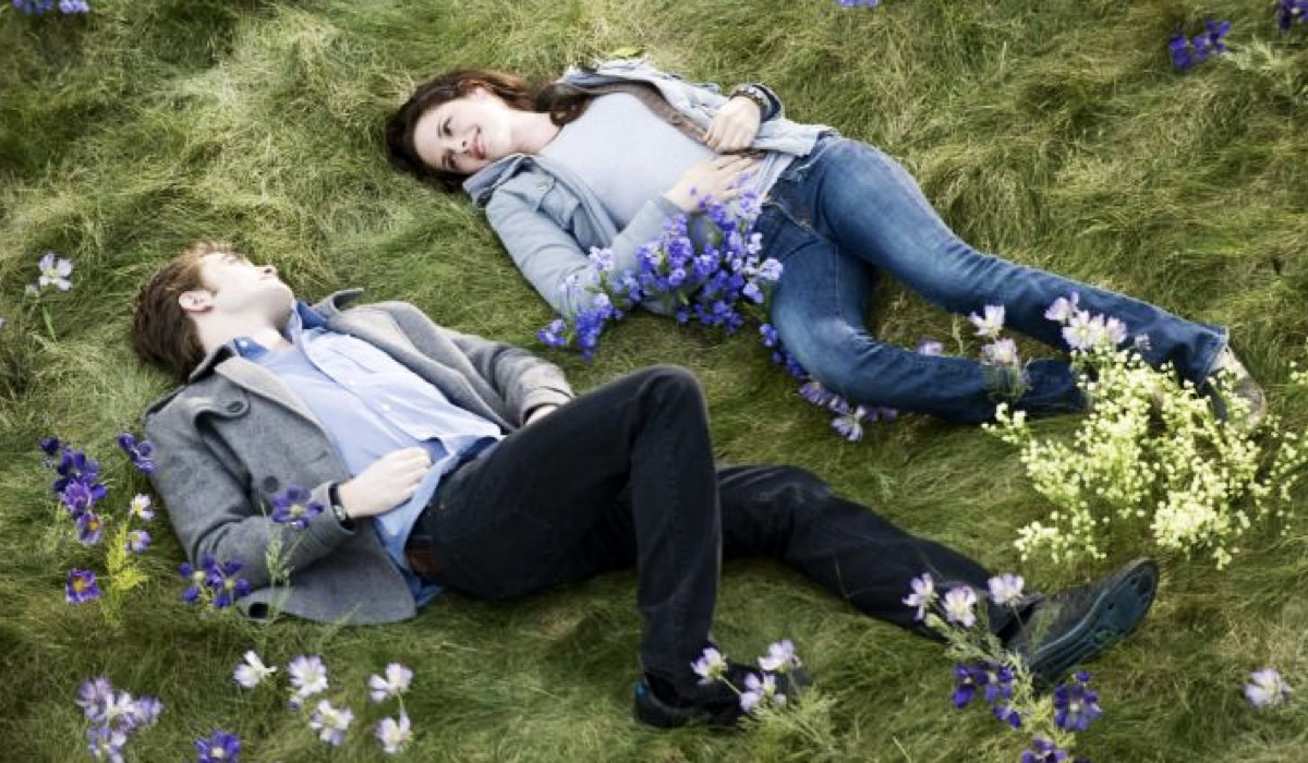 Twilight New Moon con ROBERT PATTINSON E KRISTEN STEWART nei panni di Edward e Bella foto per Concessione di Eagle Pictures e Mediaset