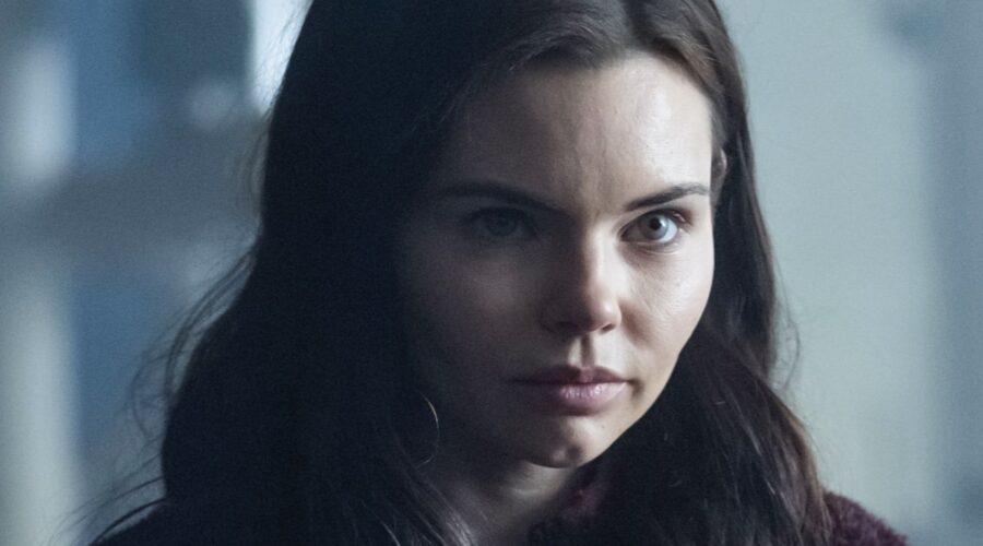 Eline Powell interpreta Ryn in Siren, la terza stagione. Credits: Rai 4.
