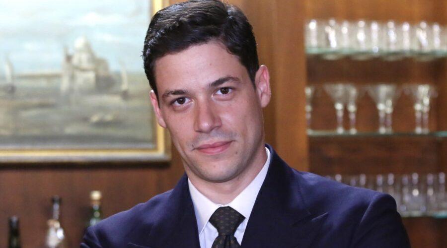 Alessandro Cosentini interpreta Cosimo Bergamini ne Il Paradiso delle Signore Daily 2 Credits RAI