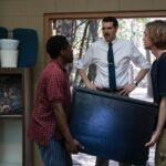 Chip, Miles e Mr. Starnes in Cercando Alaska di Hulu Credits Sky