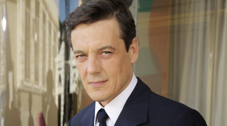 Giorgio Lupano interpreta Luciano Cattaneo ne Il Paradiso delle Signore, qui nella stagione Daily 2 Credits RAI