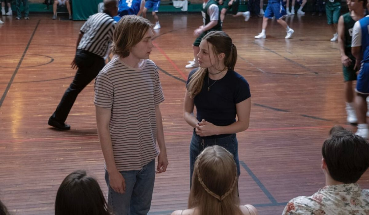 I personaggi Miles e Alaska in Cercando di Hulu Alaska serie tv Credits Sky