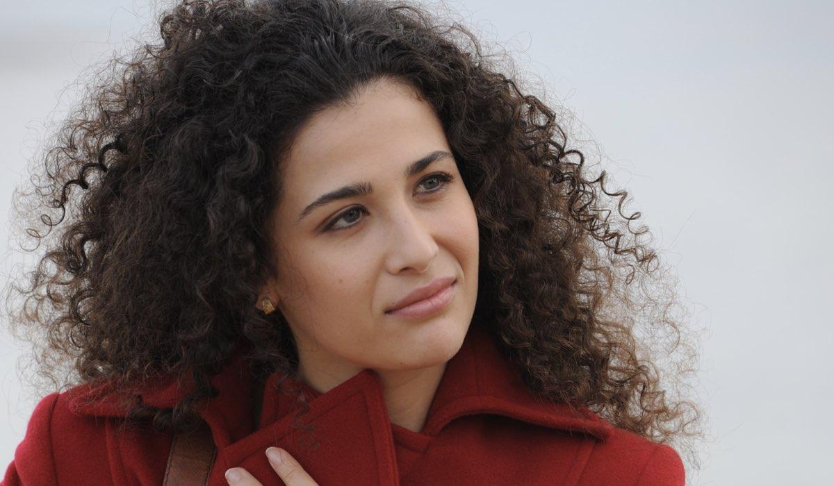 Il giovane Montalbano Mery interpretata da Katia Greco foto Credits di Fabrizio Di Giulio, Palomar e RAI