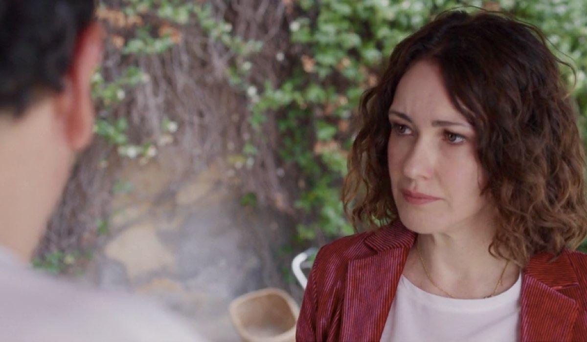 Liberi tutti Eleonora interpretata da Anita Caprioli nel primo episodio Ma bevete anche l acqua piovana Credits RAI