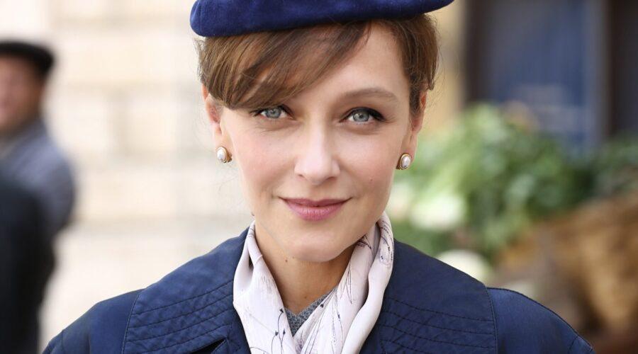 Marta Richeldi interpreta Silvia Cattaneo ne Il Paradiso delle Signore, qui nella stagione Daily 2 Credits RAI