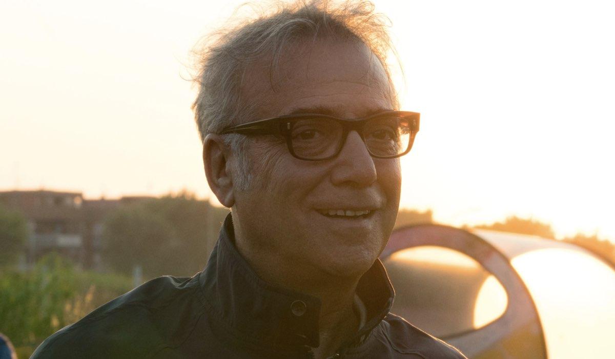 Massimo Ghini interpreta Toni in Vivi e lascia vivere Credits RAI