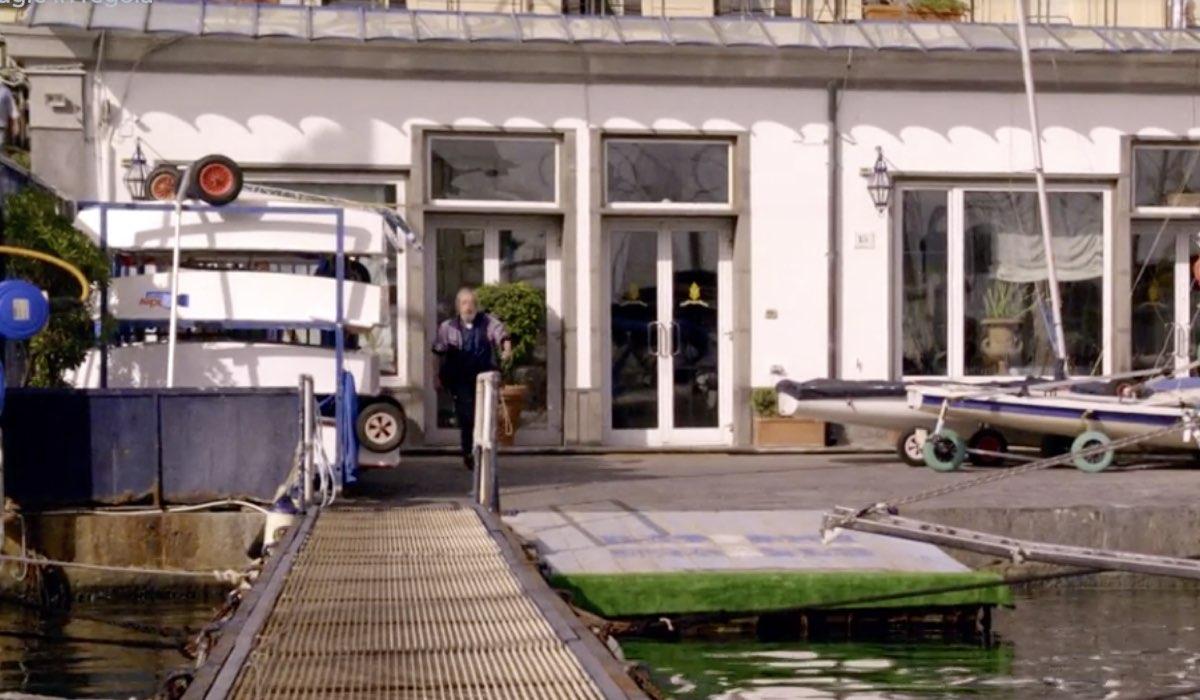 Non dirlo al mio capo, fiction ambientata a Napoli, qui una scena della prima puntata Credits RAI
