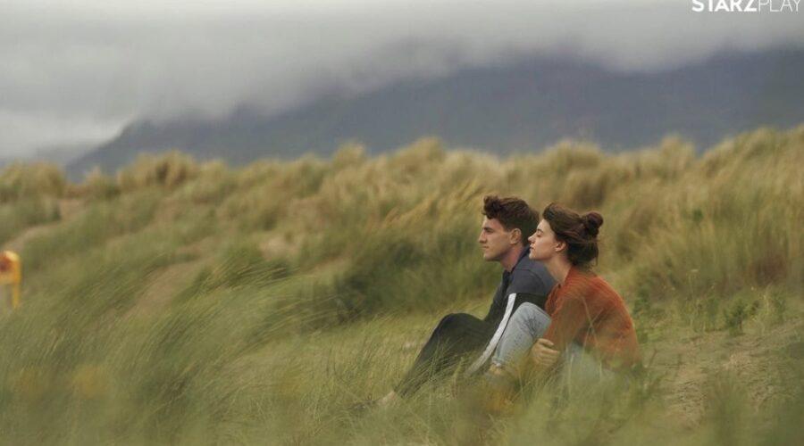 Paul Mescal e Daisy Edgar-Jones in una scena di Normal People. Credits STARZPLAY