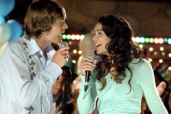 Zac Efron e Vanessa Hudgens sono Troy e Gabriella in High School Musical credits Disney Channel e Fred Hayes