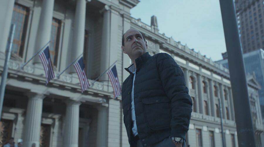 Andrés Parra nei panni di Sergio Jadua in una scena di El Presidente. Credits Amazon Prime Video