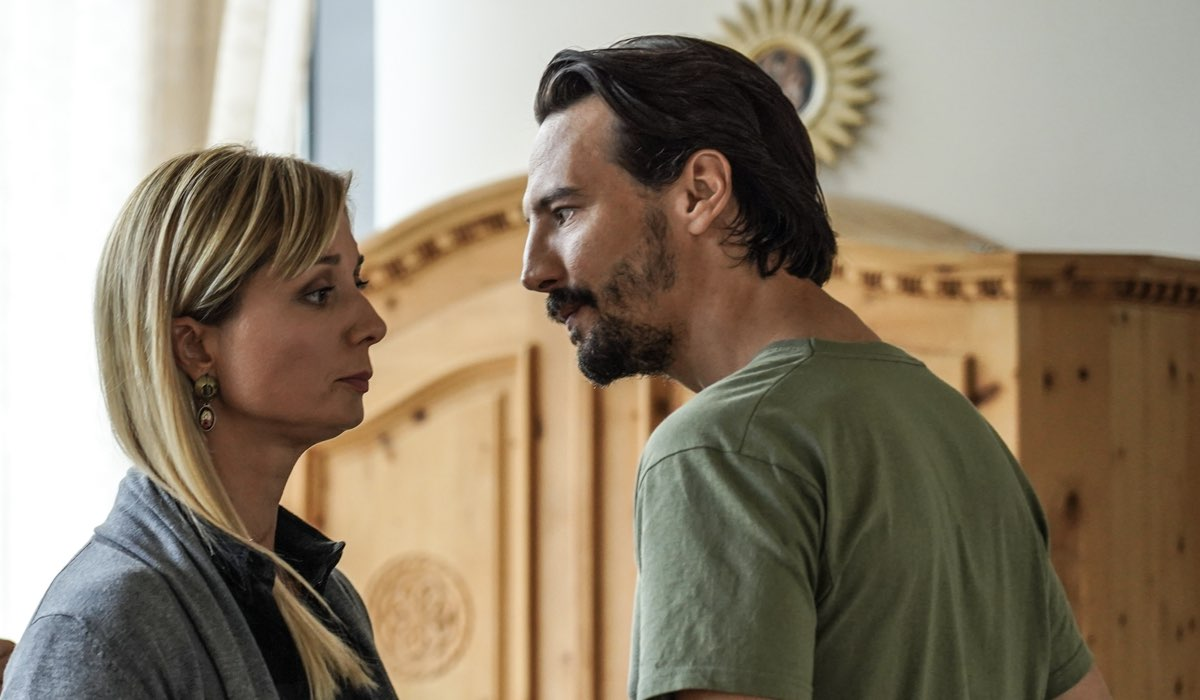 Klara (Anna Ferzetti) e Albert (Alessandro Tedeschi). Credits Netflix