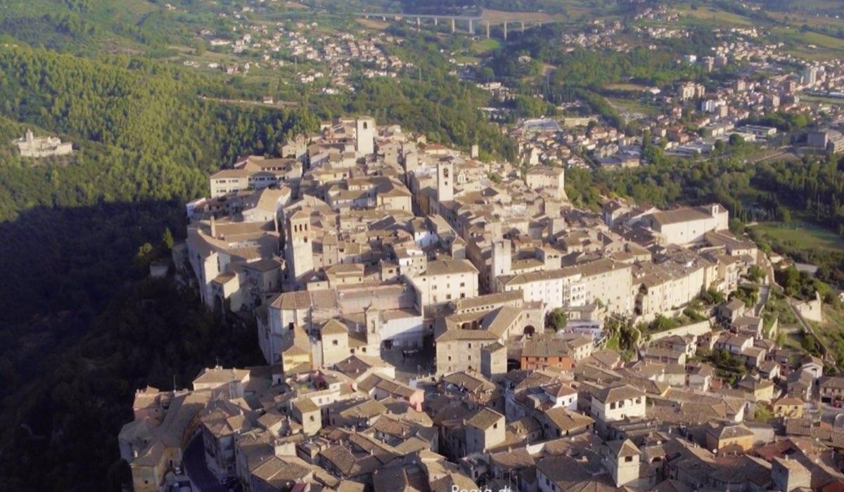 Che Dio Ci Aiuti 5 girato ad Assisi, qui una ripresa dall'alto dell'ultima puntata Credits RAI