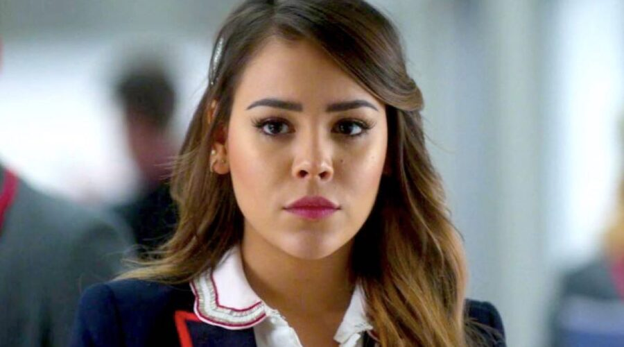 Danna Paola nei panni di Lu in Elite 3x01 Credits Netflix