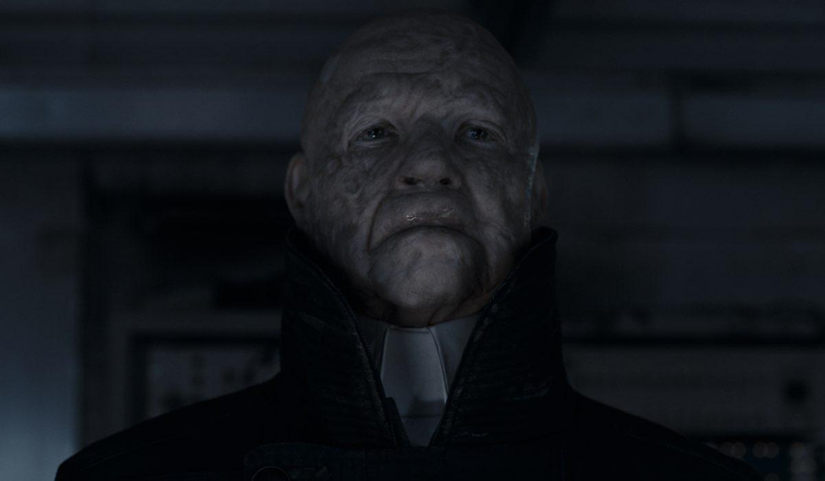 Dark 3 riassunto Dietrich Hollinderbäumer nei panni di Adam nella terza stagione di Dark Credits Netflix