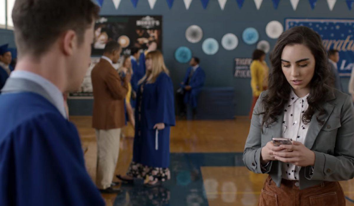 Dylan Minnette e Veronica St. Clair sono Clay e Heidi in Tredici 4x10 Credits David Moir e Netflix © 2020