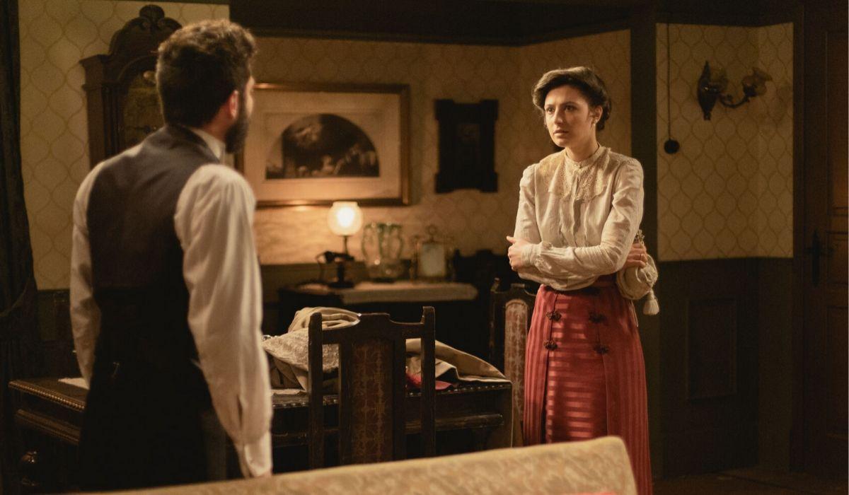 Edoardo e Lucia in Una Vita soap opera Credits BOOMERANG TV