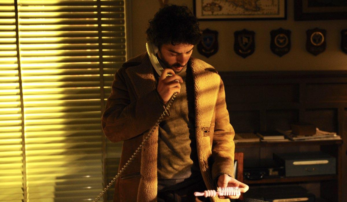 Il giovane Montabano Salvo Montalbano interpretato da Michele Riondino Credits foto di Fabrizio Di Giulio, Palomar e RAI