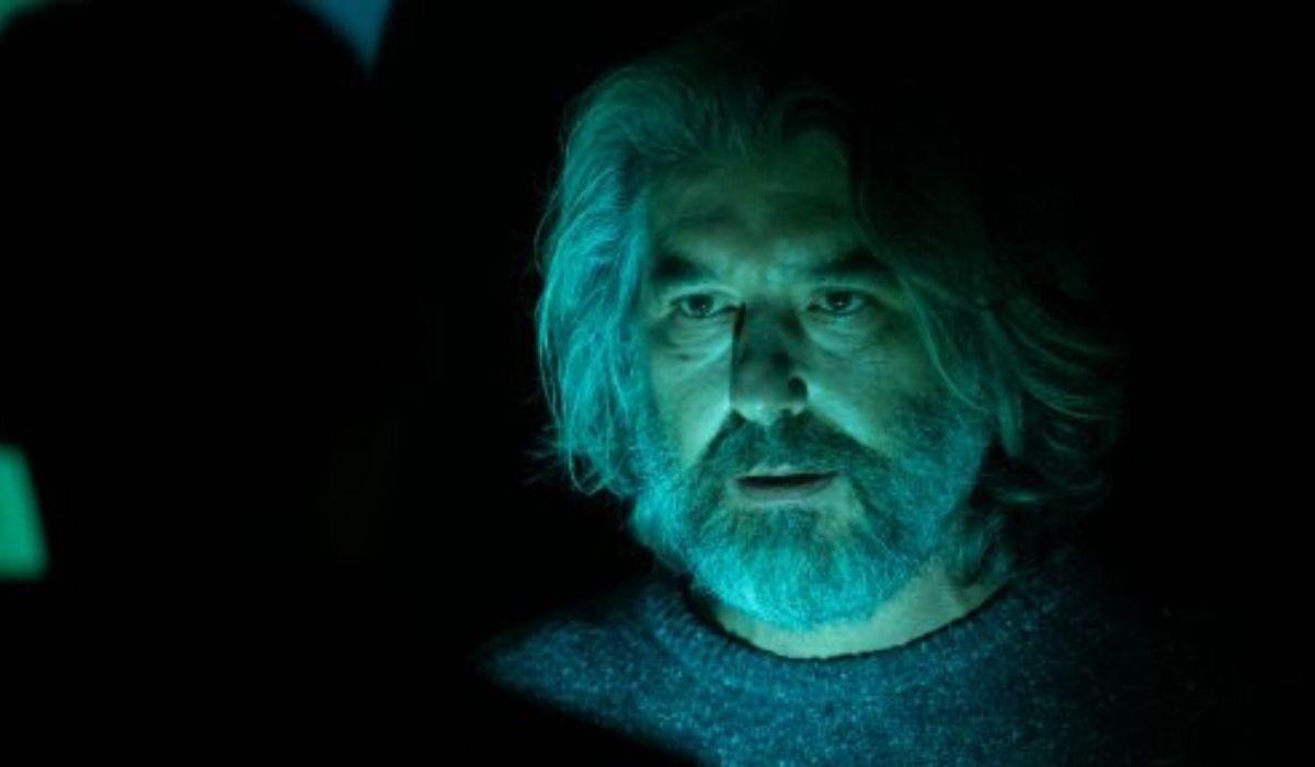 Luca Lionello è Thomas Raina in Curon serie tv Credits Netflix
