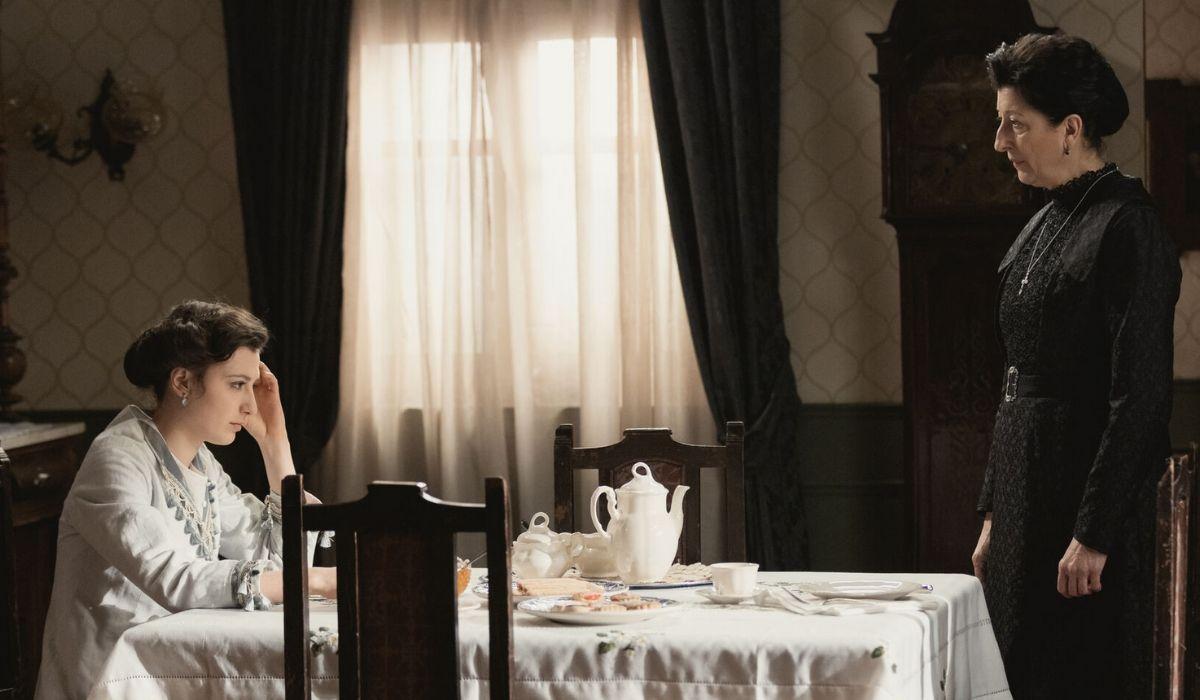 Lucia e Ursula in Una Vita Credits BOOMERANG TV