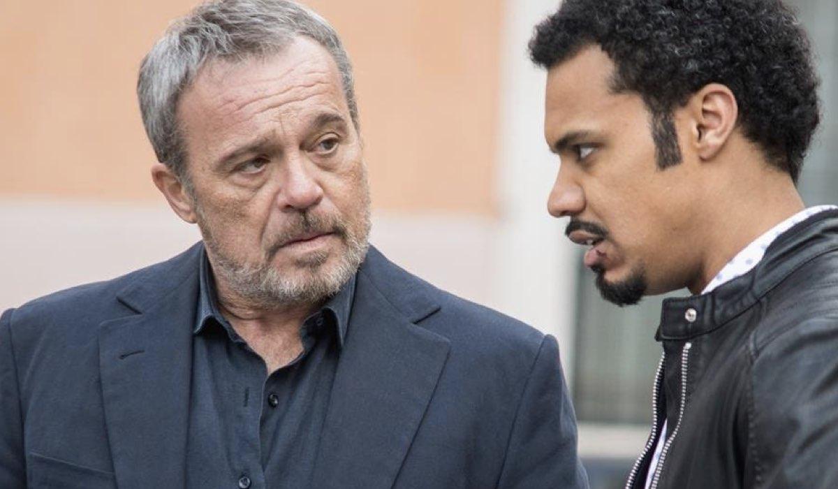 Nero a metà Carlo e Malik interpretati da Claudio Amendola e Miguel Gobbo Diaz Credits RAI e Netflix
