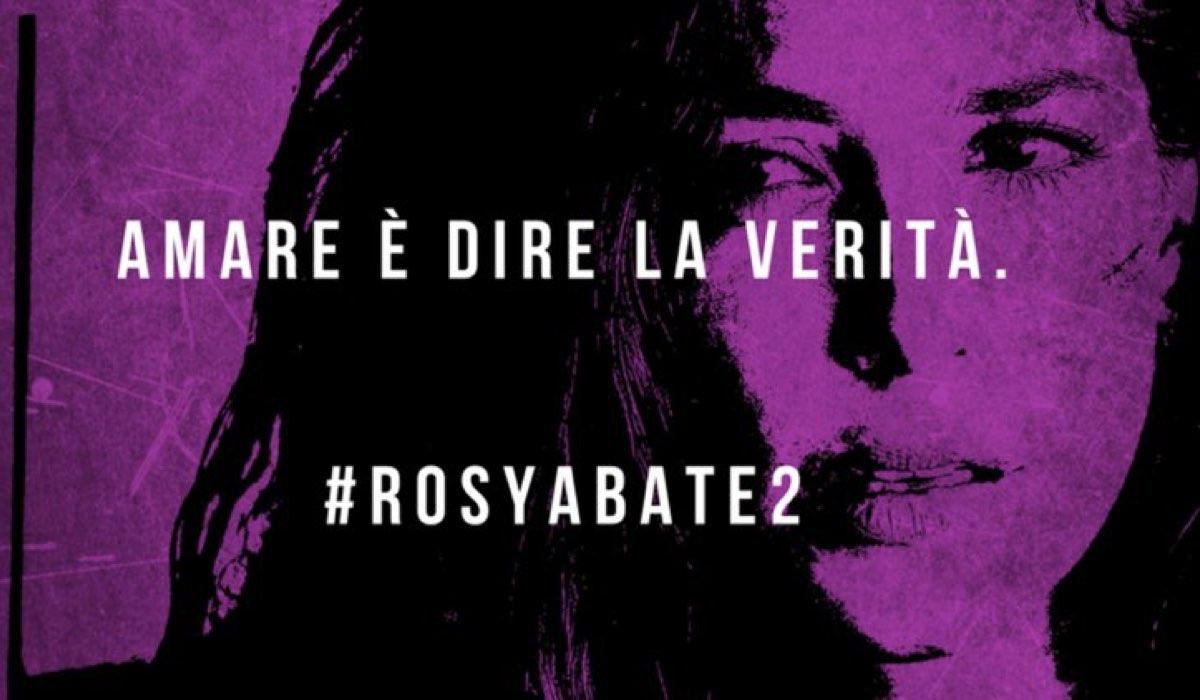 Rosy Abate 2 foto pubblicata sull'account Facebook ufficiale Taodue