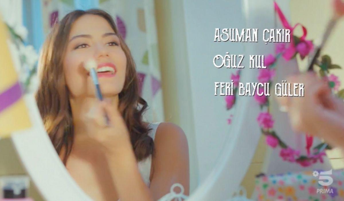 Sanem si trucca nella sigla di Daydreamer Credits Mediaset