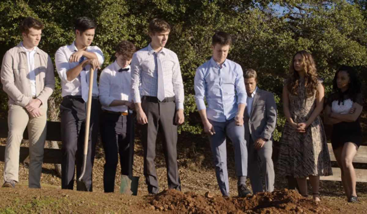 Tredici 4 riassunto 4x10 Charlie, Zach, Tyler, Alex, Clay, Tony, Jess e Ani Credits David Moir e Netflix © 2020