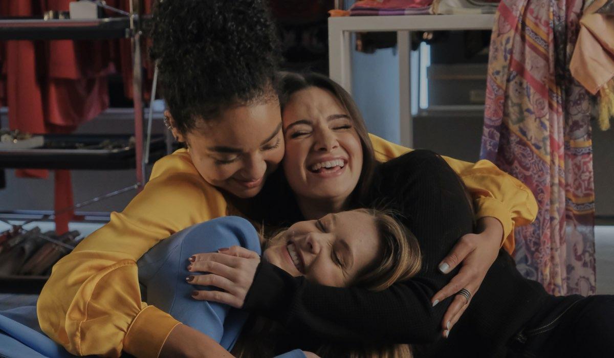 Da sinistra: Aisha Dee, Katie Stevens e Meghann Fahy nei panni di Kat, Jane e Sutton in The Bold Type. Credits: Freeform via Mediaset.