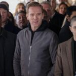 David Costabile, Damian Lewis e Asia Kate Dillon in una scena di Billion 5. Credits Sky Italia