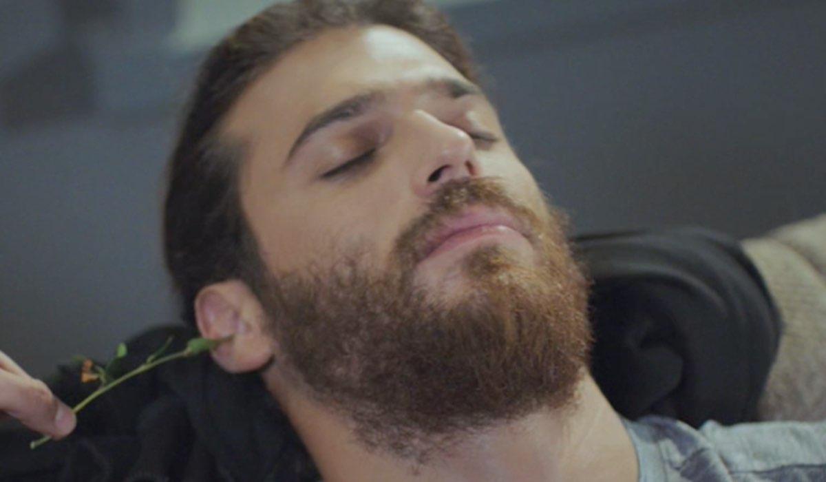 Daydreamer Can interpretato da Can Yaman sogna Sanem nella puntata 21 Credits Mediaset