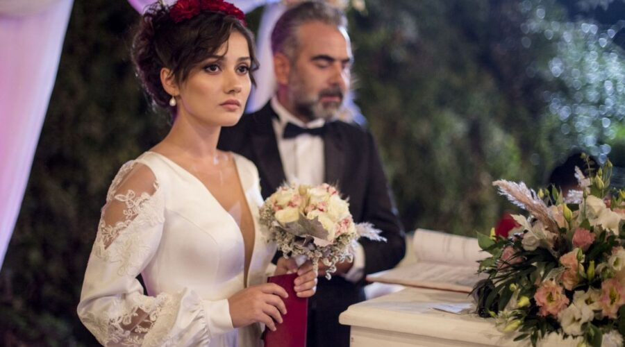 Ipek Gencer e Cemal Karalar in Come sorelle soap turca Credits Mediaset