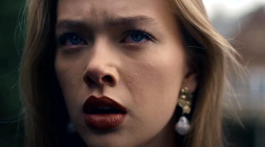 Jessica Alexander nei panni di Olivia in un fotogramma del trailer di Get Even. Credits Youtube BBC e Netflix