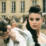 Marilou Aussiloux nei panni di Elise in una scena di La Révolution. Credits: Netflix.