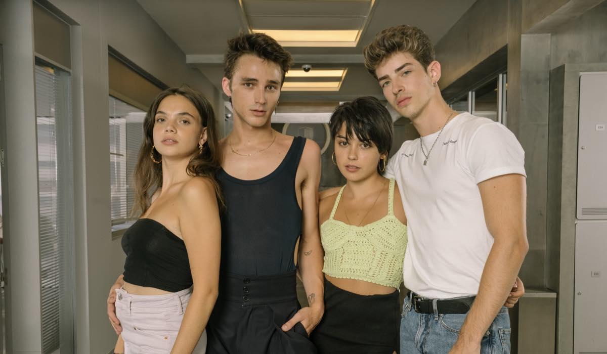 Martina Cariddi, Pol Granch, Carla Diaz e Manu Rios in Elite 4 Credits Niete e Netflix